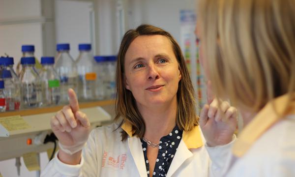 Maria Falkenberg i labbet på Medicinareberget.