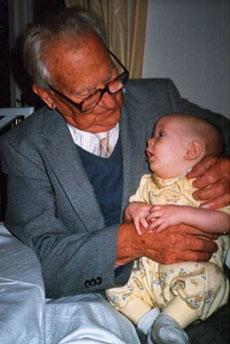 Ett av de sista fotografierna av Jörgen Lehmann, här med artikelförfattarens son Fredrik, oktober 1987.
