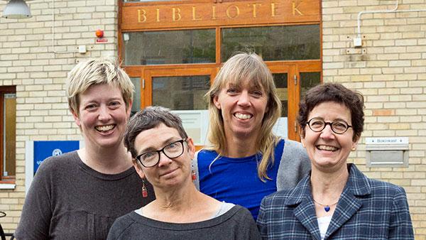 Bibliotekarierna i forskarservicegruppen vid Biomedicinska biblioteket är (från vänster) Helen Sjöblom, Katarina Östling, Linda Hammarbäck och Eva Hessman. Foto: Elin Lindström Claessen/GU