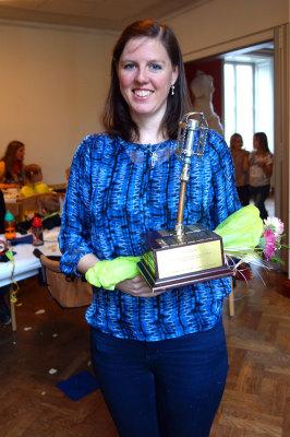 Ellen Johansson tog emot vandringspokalen vid den årliga sillunchen på Valborgsmässoafton på Villa Medici.