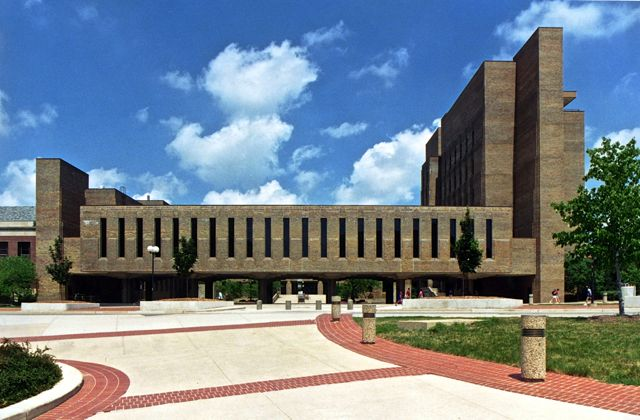 Michigan School of Dentistry (UMSD), i Ann Arbor, USA.
