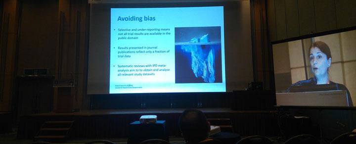 Den som vill undvika partiskhet behöver vara medveten om att det som syns ovanför vattenytan av isberget bara är en liten del av sanningen.