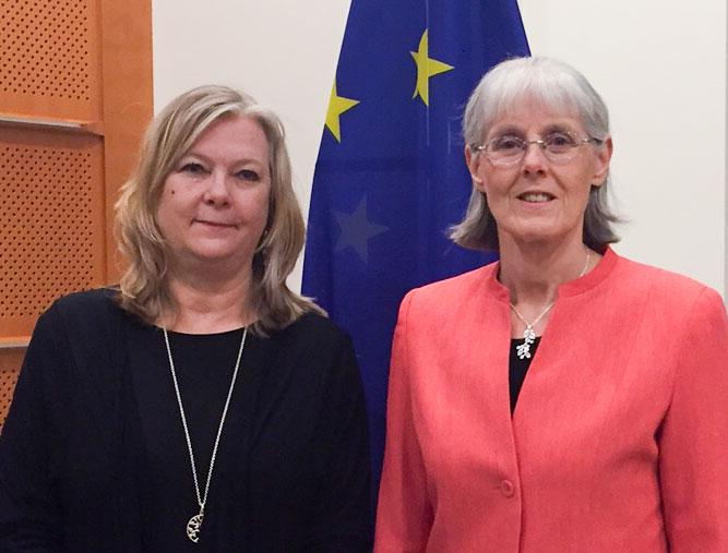 Ingela Lundgren och Cecily Begley  fotograferade av Christina Nilsson i samband med det avslutande mötet för projektet i Bryssel som hölls nyligen.