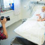 Genusfotografen ger nya bilder av jobbet som sjuksköterska