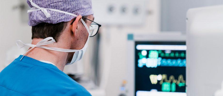 Radiolog på sjukhus, genrebild.